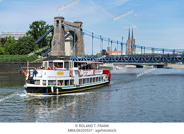 Poland, Wroclaw, grunwaldzki bridge, most Grunwaldzki, suspension bridge over the Oder (river)
