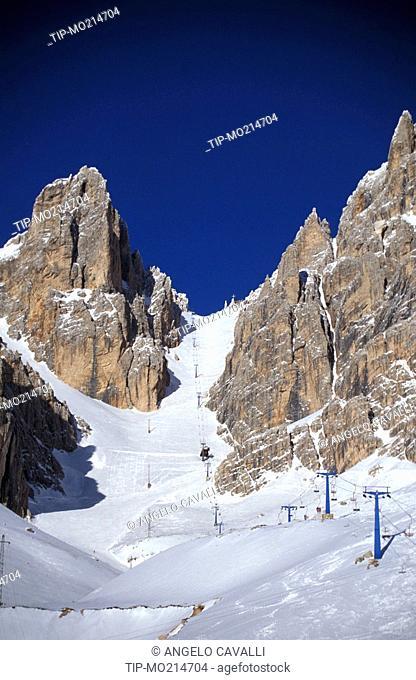 Veneto, Cortina D'Ampezzo, ski slopes and mountains