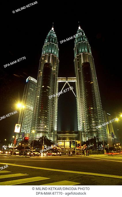 Petronas Towers KLCC Twin Towers , Kuala Lumpur , Malaysia