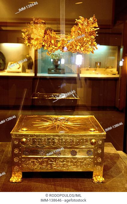 Macedonia Central, Vergina The gold crown worn by Philip II and the gold larnax containing his ashes