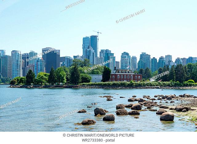 Canada, British Columbia, Vancouver, A bit of nature in the city of Vancouver