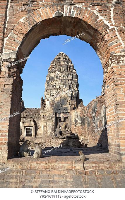 Phra Prang Sam Yot, the Khmer temple in the old town of Lopburi, Central Thailand, Asia