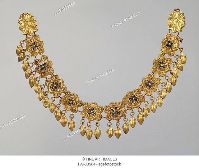 Necklace with pendants by Ancient jewelry /Gold, enamel/Ancient Cultur/5th cen. BC/State Hermitage, St. Petersburg/L 18,5/Objects/Object/Halskette mit Anhänger...