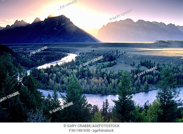 Sunset over the Grand Teton mountain from the Snake River Overlook, Grand Teton National Park, WYOMING