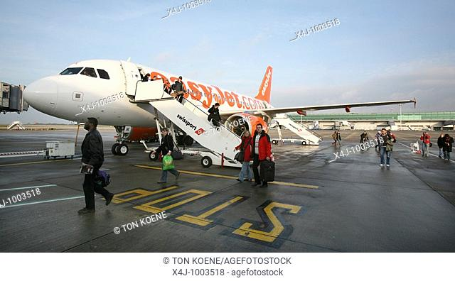 easyjet is one of the many low budgt airliners
