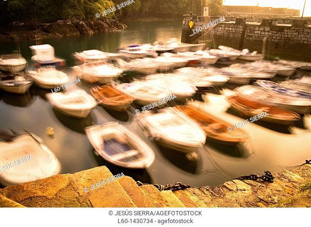 Mundaka Harbour, Biscay, Spain