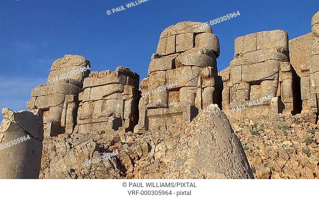 Image of the statues of around the tomb of Commagene King Antochus 1 on the top of Mount Nemrut, Turkey