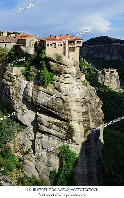 Greece, Thessaly, Meteora, World Heritage Site, Varlaam monastery and Roussanou (Agia Barbara) nunnery