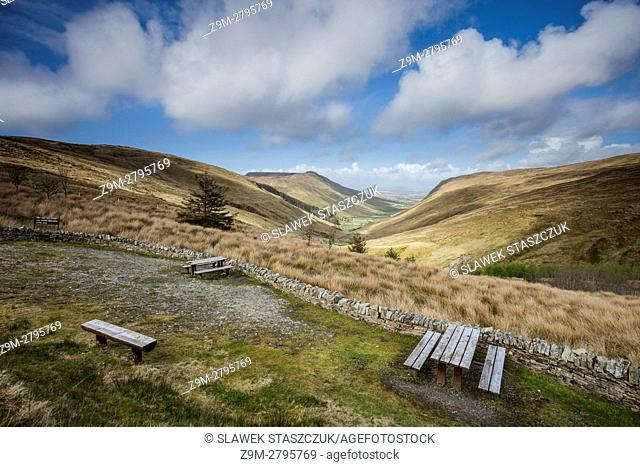 Spring afternoon at Glengesh Pass, county Donegal, Ireland