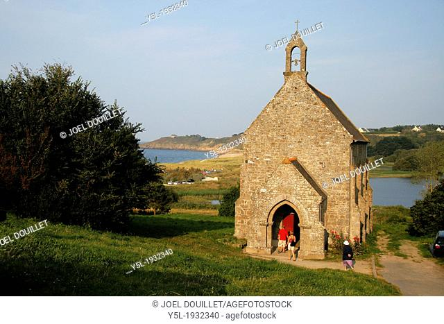 Anse of Verger and Notre Dame du Verger chapel, devoted to the sea, the chapel was the last visual link, for the fishers bound for Newfoundland