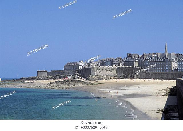 France, Brittany, St Malo Beach
