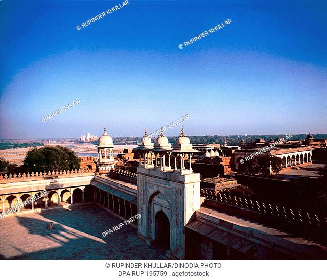 Golden pavilion, agra fort, agra, uttar pradesh, india, asia