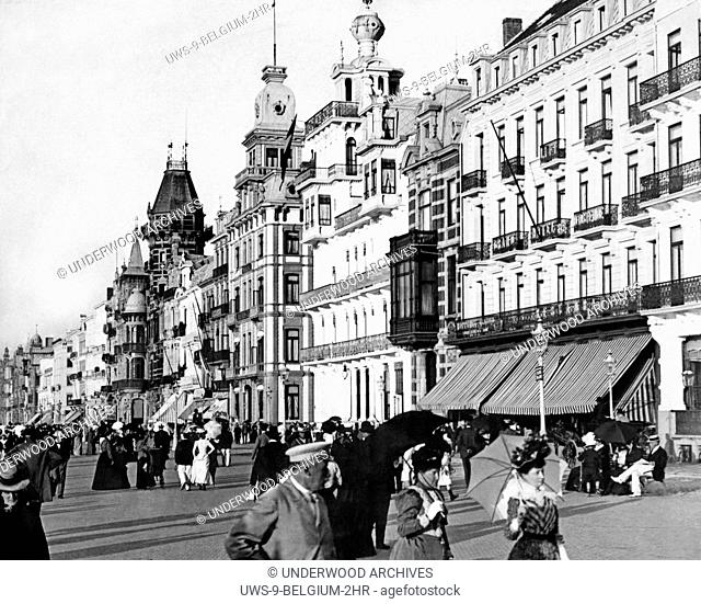 Ostend, Belgium: c. 1900 Residents walking along the Digue promenade in Ostend