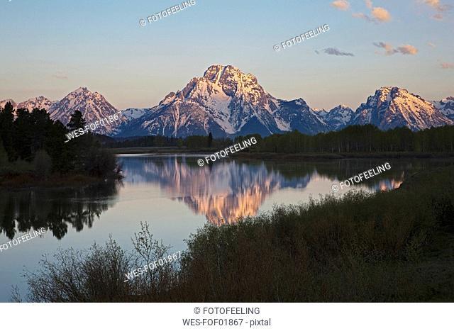 USA, Wyoming, Oxbow Bend at sunrise