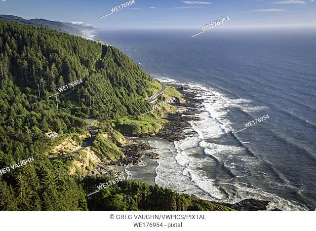 Oregon coast from viewpoint at top of Cape Perpetua