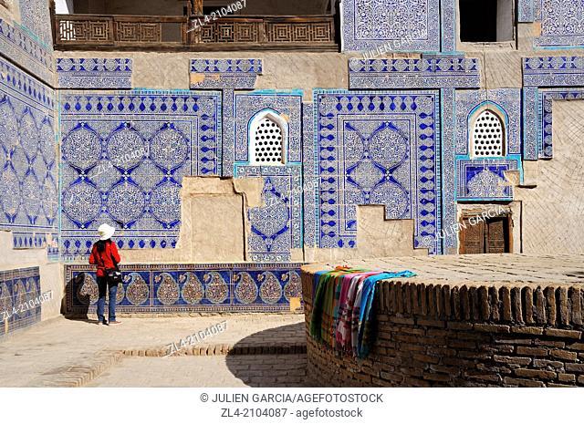 Painted ceramic tiles on the walls of Tach Khaouli palace. Uzbekistan, Khorezm, Khiva, Itchan Kala (inner town). Model Released