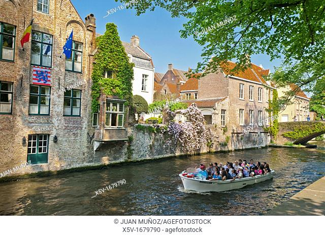 Boat, with, tourists, Rozenhoedkaai, Bruges, West, Flanders, Belgium