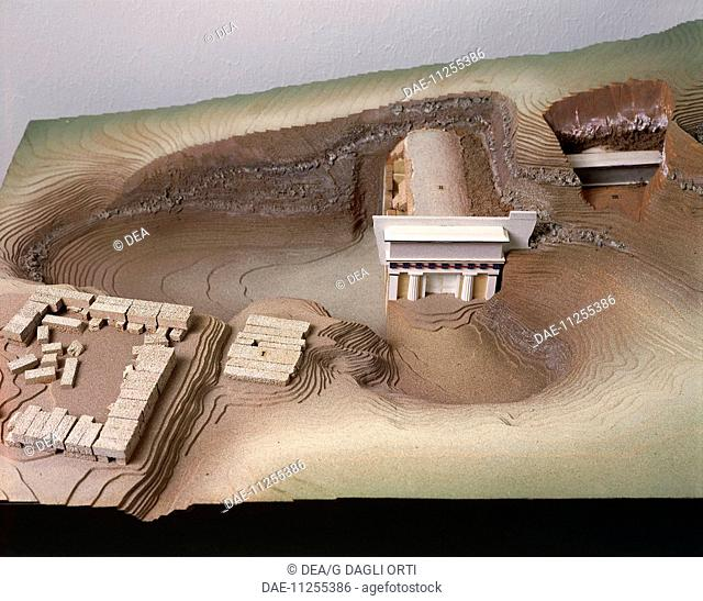 Greeck civilization. Plastic model of the Royal Tombs of Vergina, ancient Aigai, Greece.  SALONIKA, ARHEOLOGIKÓ MOUSSÍo (ARCHAEOLOGICAL MUSEUM)