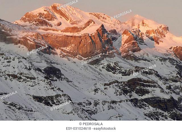 Winter in Ordesa National Park, elevated peaks, left to rigth, are Sum de Ramond (3254 m.) and Monte Perdido (3355 m.), Pyrenees, Huesca, Aragon, Spain