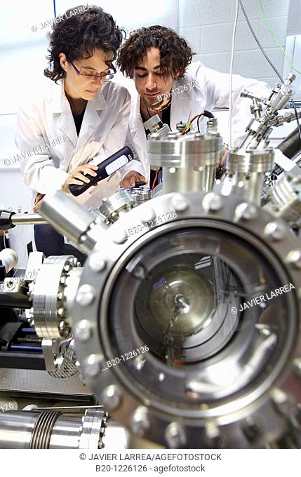 Scanning tunneling microscope (STM) in ultra-high vacuum (UHV), Nanophysics laboratory, Materials Physics Center is a joint center of the Spanish Scientific...