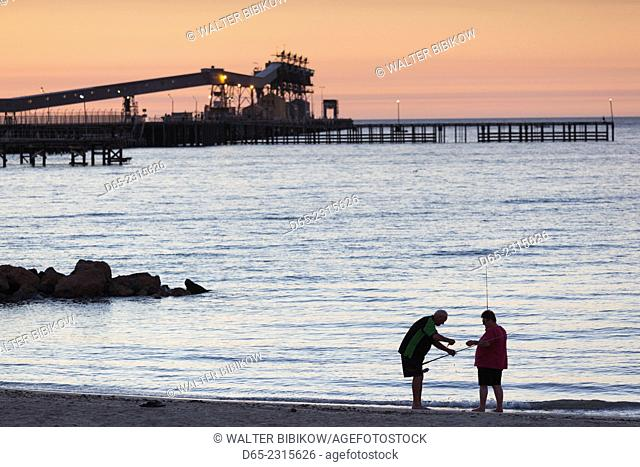 Australia, South Australia, Yorke Peninsula, Wallaroo, town jetty, sunset