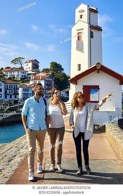Guide with tourists, Tour, Basque Coast, Port, Sant Jean de Luz, Aquitaine, Pyrenees Atlantiques, France, Europe