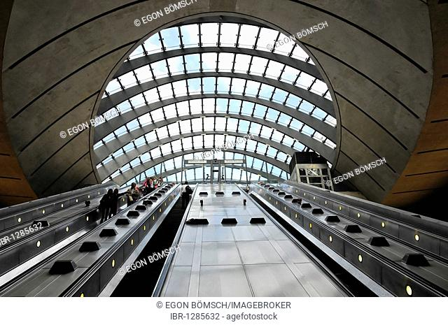 Escalators, glass dome at the exit of the Canary Wharf tube station, Canary Wharf, Docklands, London, England, United Kingdom, Europe