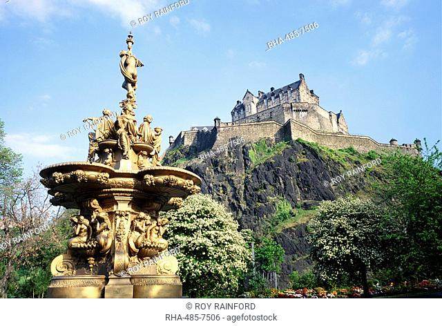 Edinburgh Castle and water fountain, Edinburgh, Lothian, Scotland, UK