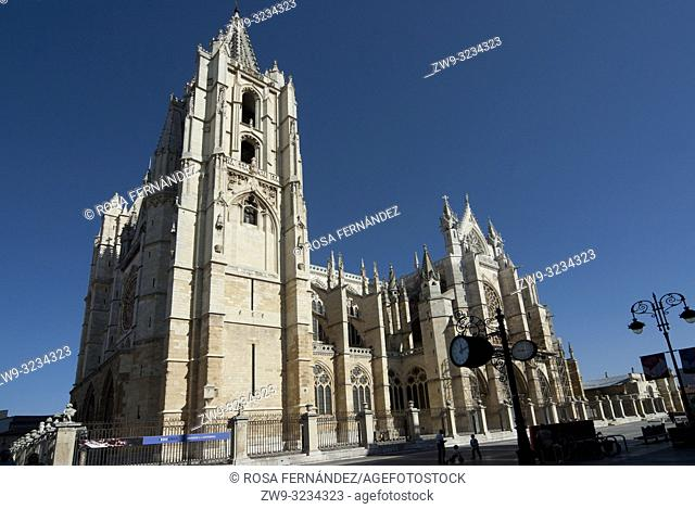 Facade, Cathedral of Santa María de Regla, city of Leon, province of León, Castilla y León Region, Spain, Europe