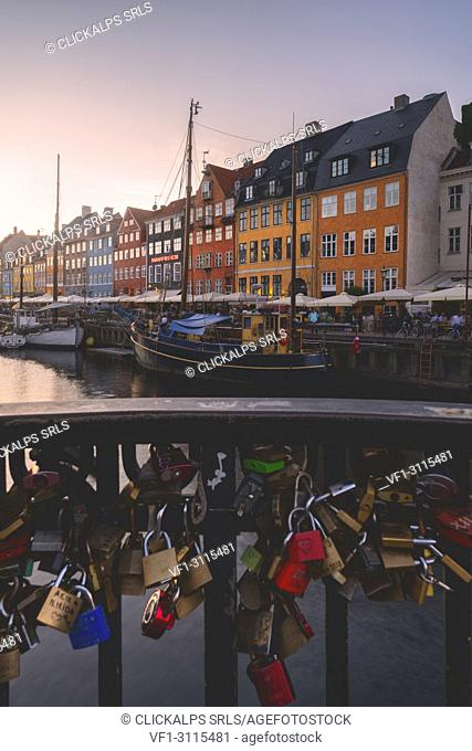 Nyhavn at sunset, Copenhagen, Hovedstaden, Denmark, Northern Europe