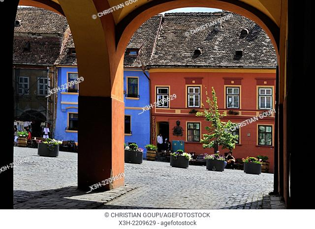 vaulted passage, main entrance to Cetatii square, Old Town, Sighisoara, Transylvania, Romania, Southeastern and Central Europe