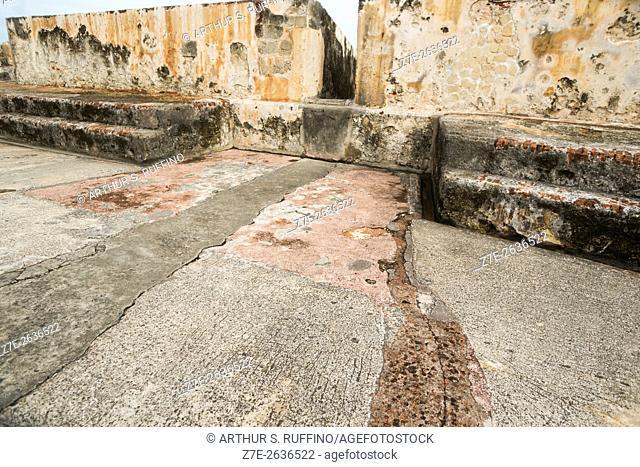Battlement and drainage system, Main Firing Battery, Castillo San Cristóbal (St. Christopher Castle, Saint Christopher Fort), UNESCO World Heritage Site