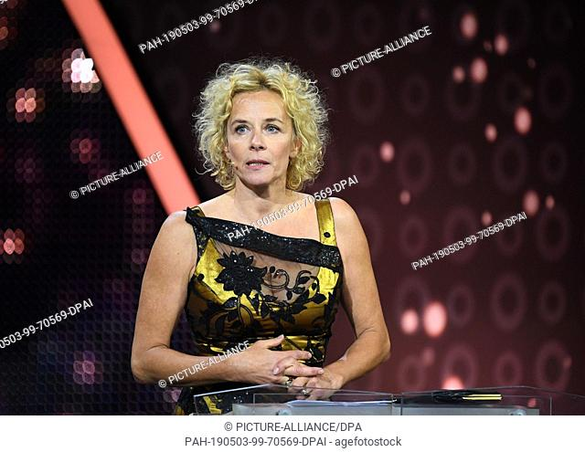 """03 May 2019, Berlin: Actress Katja Riemann speaks during the award ceremony of the 69th German Film Prize """"""""Lola"""""""" at the laudatio for the honorary prize for..."""