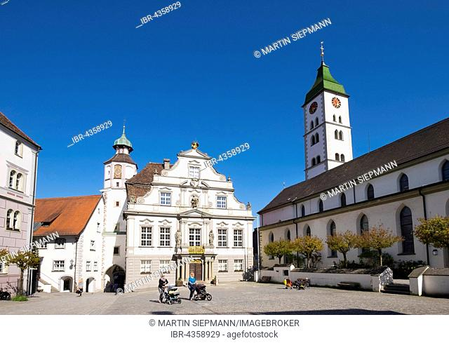 Town Hall and Parish Church of St. Martin, Gallus and Magnus on the marketplace, Wangen in Allgäu, Westallgäu, Allgäu, Swabia, Baden-Württemberg, Germany