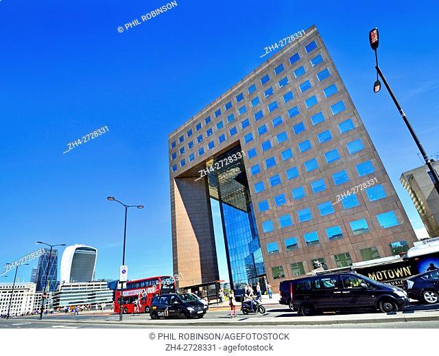 London, England, UK. No1 London Bridge office building. 20 Fenchurch Street - 'Walkie Talkie' building across the river