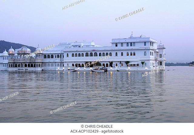 Lake Palace on Lake PIchola, Udaipur, Rajastan, India