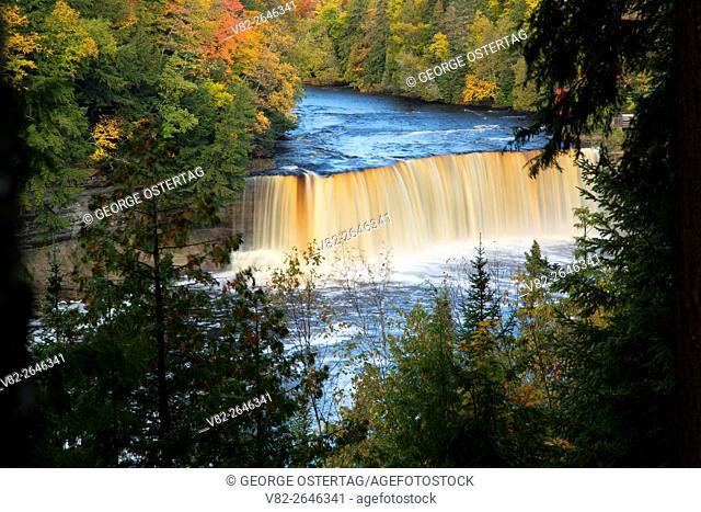 Upper Tahquamenon Falls, Tahquamenon Falls State Park, Michigan