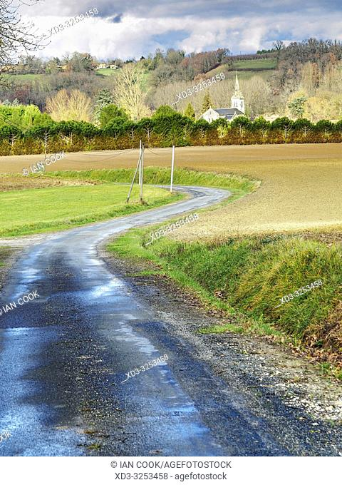 country road and Serres-et-Montguyard, Lot-et-Garonne Department, Nouvelle Aquitaine, France