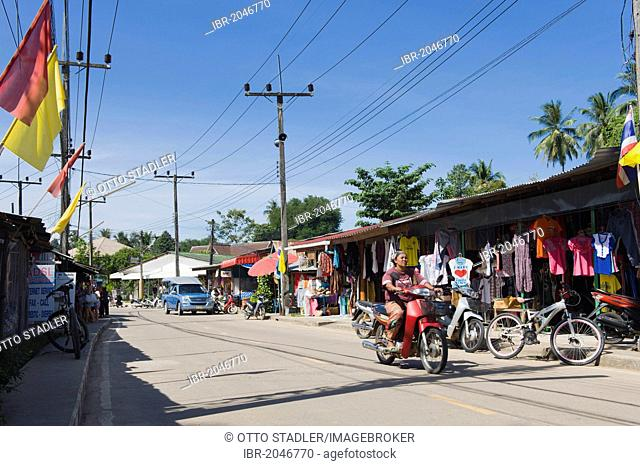 Main road through the village of Ban Yai, Koh Yao Noi island, Phang Nga, Thailand, Southeast Asia, Asia