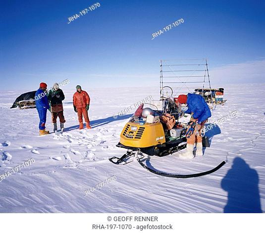 Oversnow geophysical team of the British Antarctic Survey, Antarctica, Polar Regions