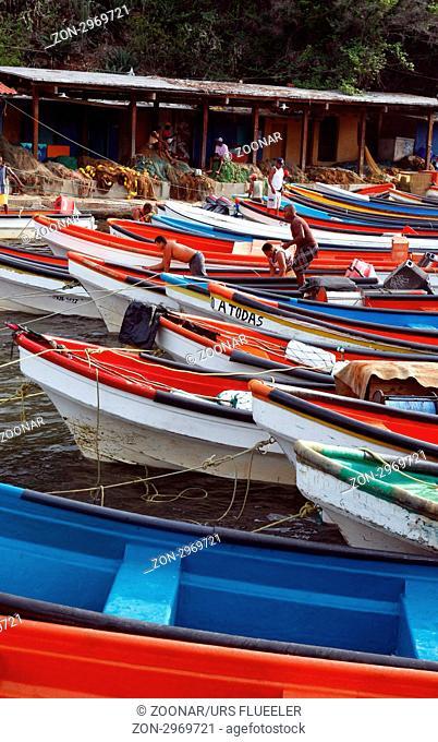 Suedamerika, Karibik, Venezuela, Nord, Choroni, National Park Hanri Pittier, Fischerboot, Fischerhaben, Holtboot, Bucht, Meer