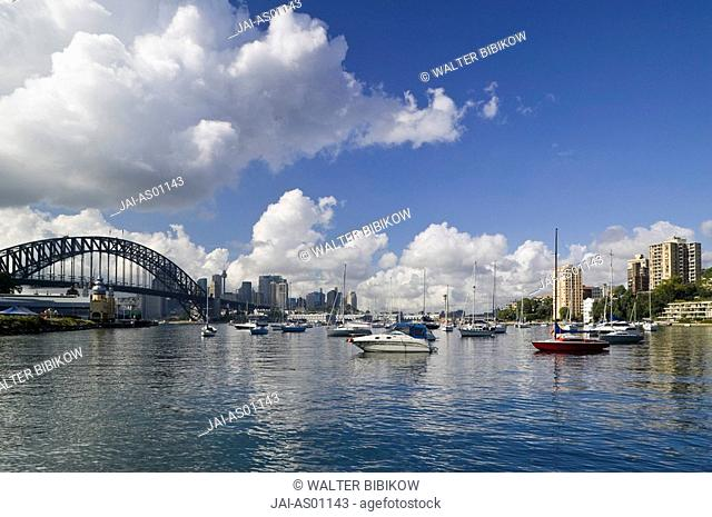 Australia, New South Wales, North Sydney, Sydney viewed from Lavender Bay /. morning