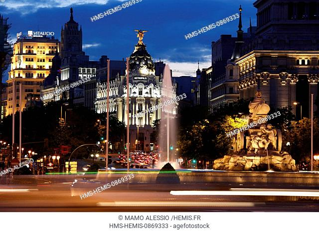 Spain, Madrid, Metropolis Building, at the angle of the Gran Via and Calle de Alcala and the Fuente de Cibeles