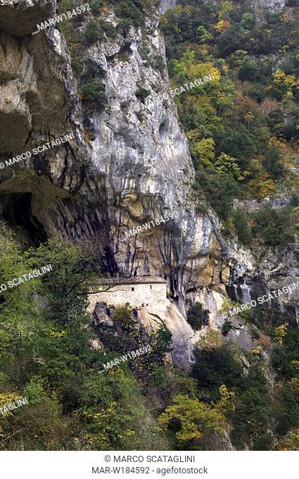 europe, italy, marche, gola di frasassi, grotta del santuario, santa maria infra saxa