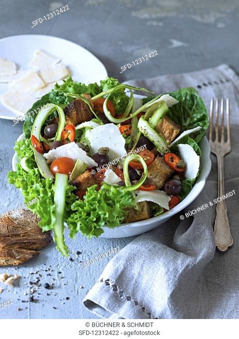 Bread salad with asparagus and capers