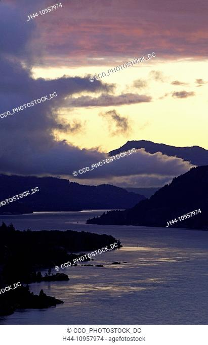 The Columbia River Gorge at sunset along the Oregon and Washington borders. USA