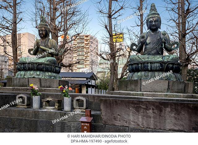 Buddha statue asakusa sensoji temple, tokyo, japan