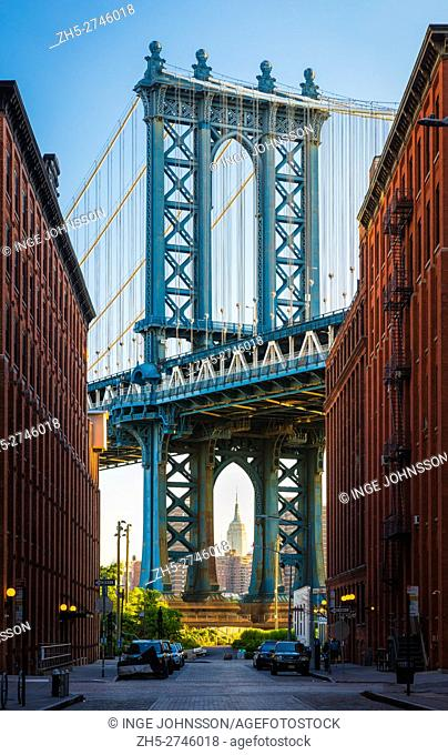 The Manhattan Bridge is a suspension bridge that crosses the East River in New York City, connecting Lower Manhattan (at Canal Street) with Brooklyn (at...