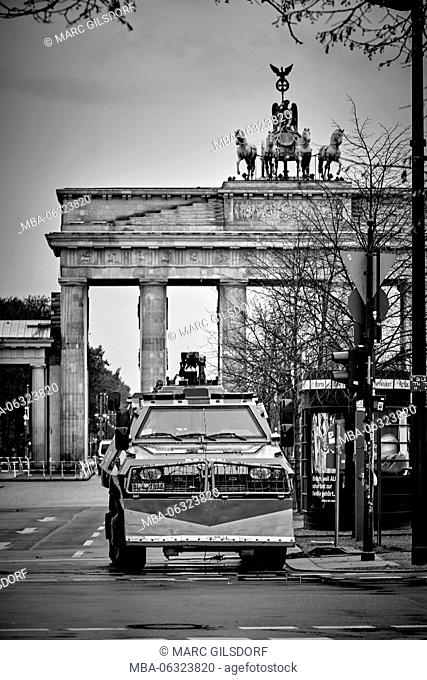 Berlin, the Brandenburg Gate during the US American official reception