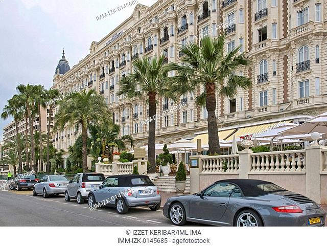 La Croisette, the famous Cannes street. La Croisette, Cannes, Provence-Alpes-Cote d'Azur, France, Europe